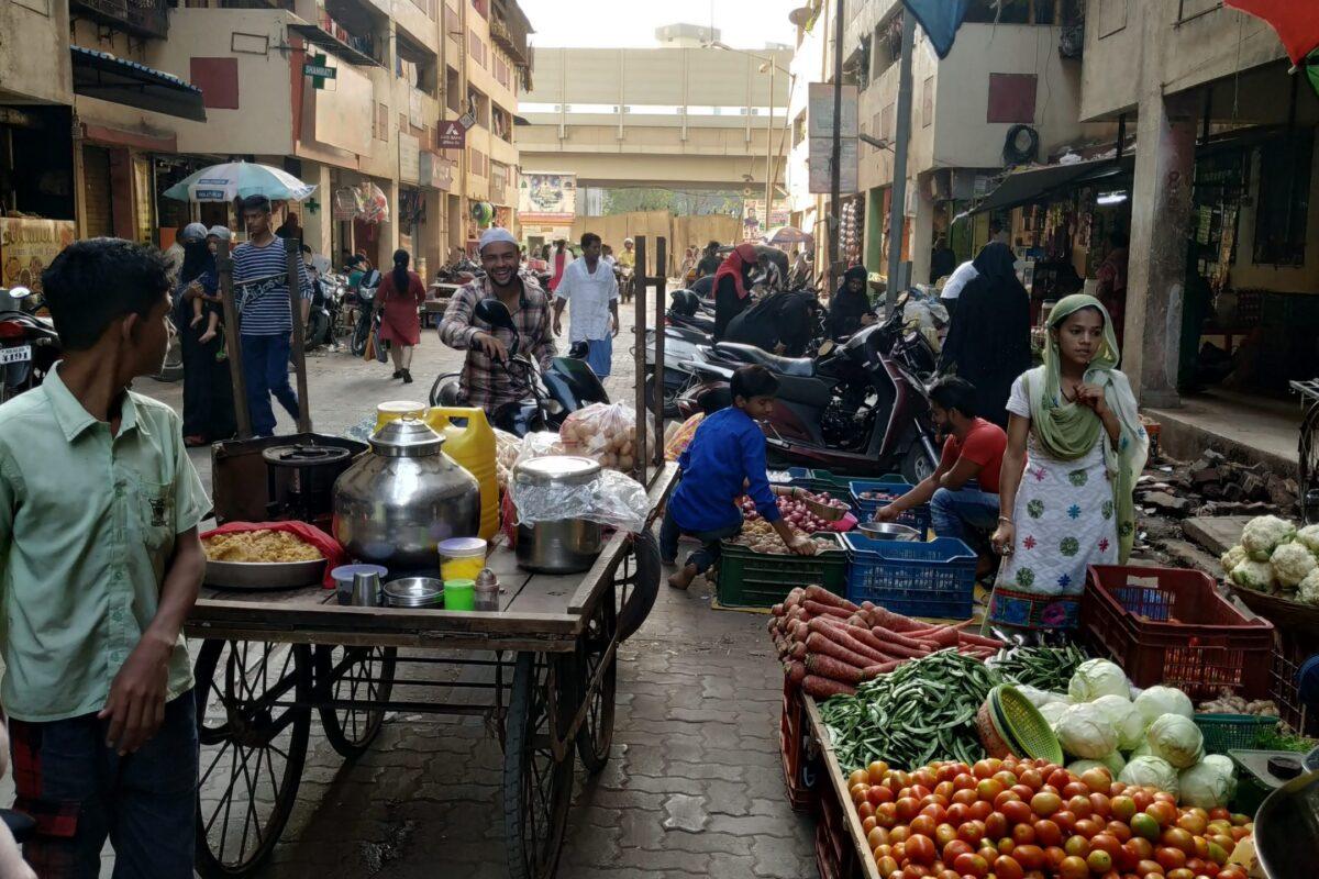 Vendors selling their wares in Natwar Parekh